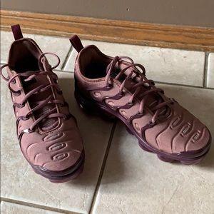 Nike vapormax plus women's shoes